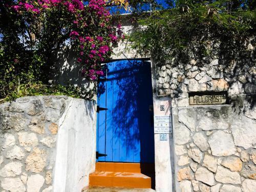 Humeshouse Hostel @ Hillcrest Nassau