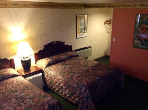 Humboldt Redwoods Inn