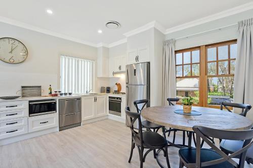 . Accommodation Hunter - Adams Street Maitland