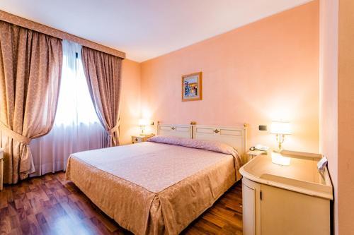 . Hotel Lucrezia Borgia