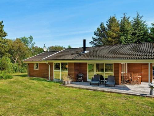 Three-Bedroom Holiday home in Ålbæk 39, Pension in Ålbæk
