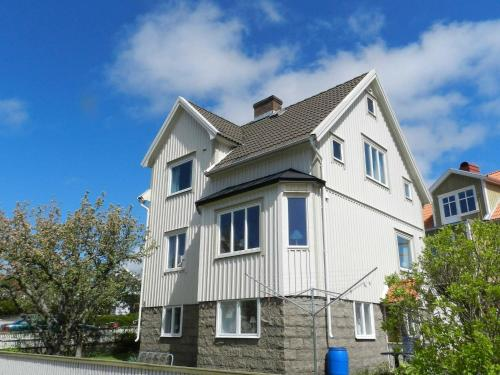 . Three-Bedroom Holiday home in Kungshamn 3