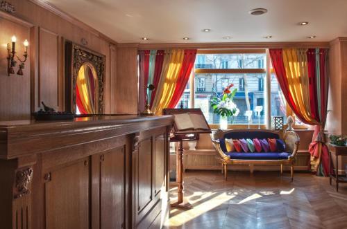 Hôtel de la Motte Picquet (Bed and Breakfast)