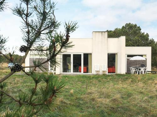 Three-Bedroom Holiday home in Ålbæk 53, Pension in Ålbæk