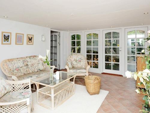 Five-Bedroom Holiday home in Juelsminde 3, Hedensted