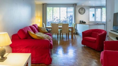 Paris City – Spacious 3 bedroom flat for families -3 minutes from metro station - Hôtel - Paris