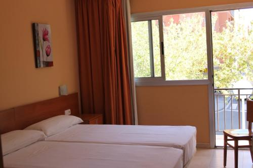 Hostal Cal Siles photo 7