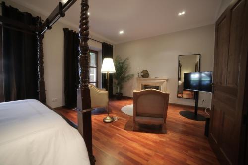 Suite with Terrace Posada Isabel de Castilla 15