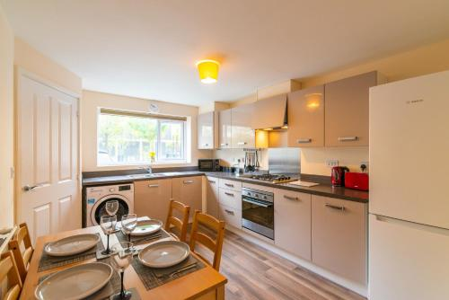 Wenlock Way House, Luxury Serviced Accommodation