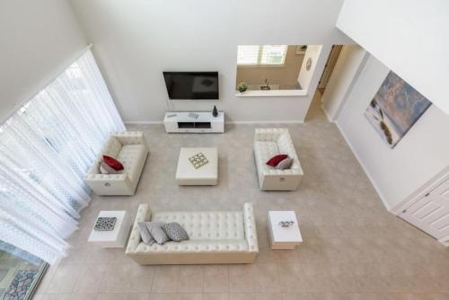 Amazing 6 Bedroom 5 Bathroom Solara Resort Villa Villa - image 3