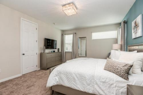 Amazing 6 Bedroom 5 Bathroom Solara Resort Villa Villa - image 6