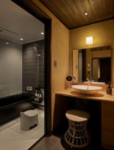 Tomonoura Shiomachi Hotel ROYA image