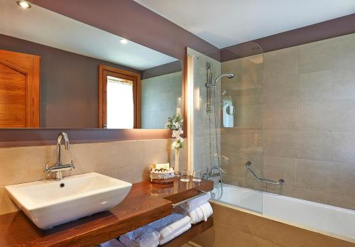 Superior Double or Twin Room - single occupancy Hotel Grèvol Spa 3