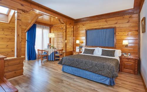 Junior Suite - single occupancy Hotel Grèvol Spa 1