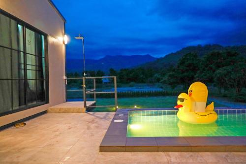 ชะอม พูลวิลล่า ChaOm Pool Villa ชะอม พูลวิลล่า ChaOm Pool Villa