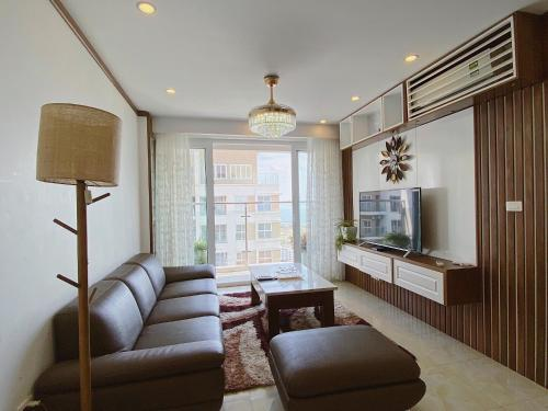 . Ur Halong Serviced Apartment