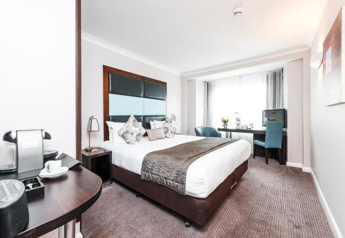 Mercure London Kensington Hotel, London