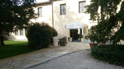 __{offers.Best_flights}__ Hotel Villa Nabila
