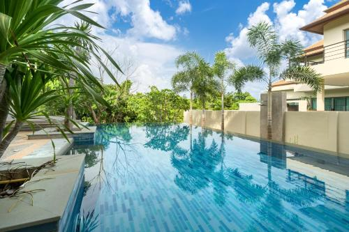 Villa Sole Lux 3 bedrooms with pool Nai Harn Villa Sole Lux 3 bedrooms with pool Nai Harn