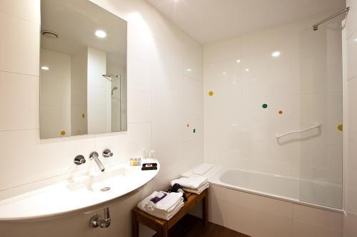 Doppel-/Zweibettzimmer mit eigener Terrasse Luces del Poniente 9