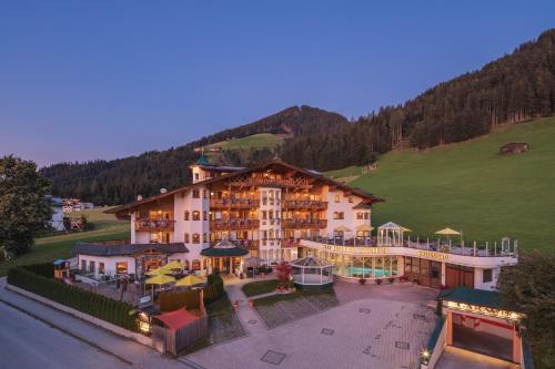 Apparthotel Talhof, Restaurant, Pool und Spa - Accommodation - Oberau