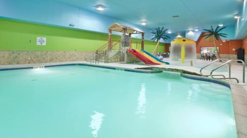 Holiday Inn Express Fremont - Fremont, NE NE 68025