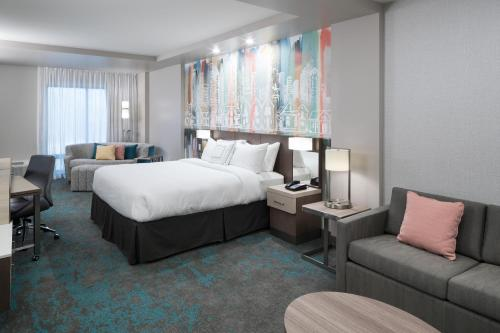 Courtyard by Marriott Houston Heights/I-10 - image 10