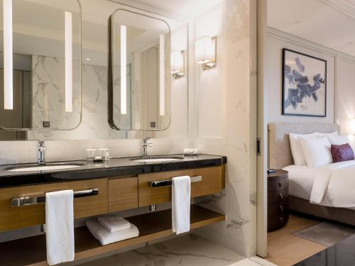 Deluxe Twin - Adult Only, Club Lounge Access