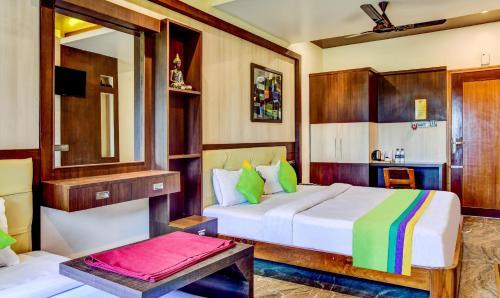 . Treebo Trip Gupta's Hotel