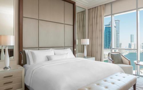 Hilton Dubai Al Habtoor City - Photo 7 of 100