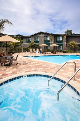 Holiday Inn Express & Suites Carpinteria - Carpinteria, CA CA 93013