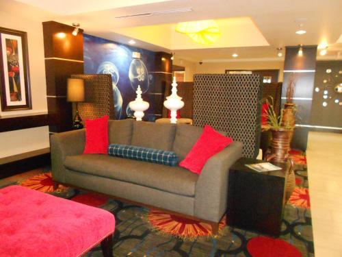 Holiday Inn Express & Suites Corpus Christi - North