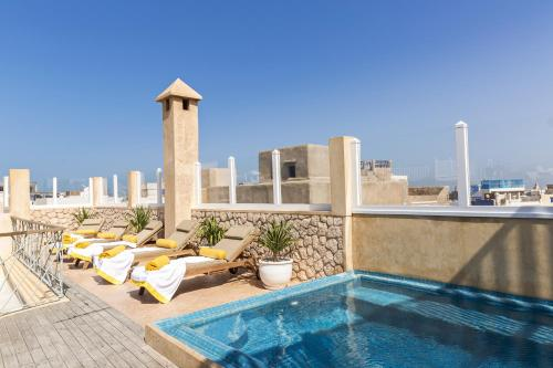 . Suite Azur Hotel