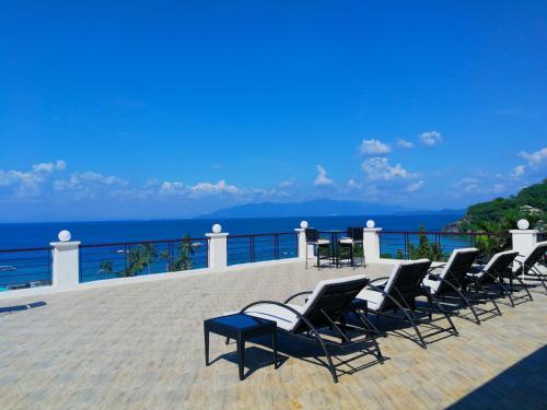 . Manarra Sea View Resort
