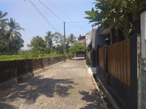 Kenayan Asri Residence by FH Stay, Sleman