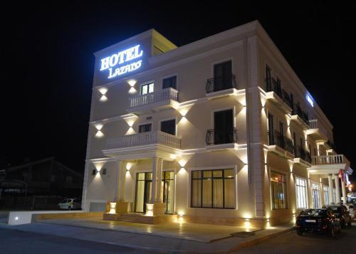 . Hotel Lazaro