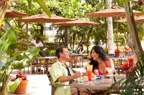 Hilton Orlando Lake Buena Vista - Disney Springs™ Area photo 9