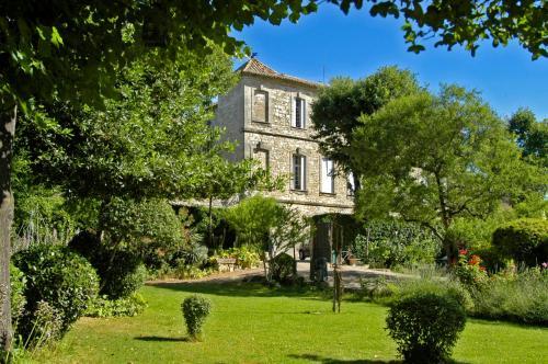 Chateau D'Arpaillargues   LES COLLECTIONNEURS