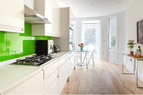 Marloes Road - Chic And Modern Townhouse With Garden-Kensington