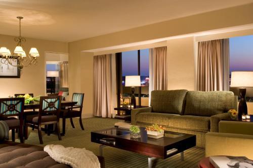 Hilton Orlando Lake Buena Vista - Disney Springs™ Area photo 12