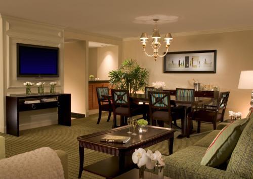 Hilton Orlando Lake Buena Vista - Disney Springs™ Area photo 13