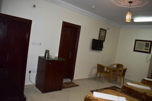 Al Raqi Palace Hotel Main image 1
