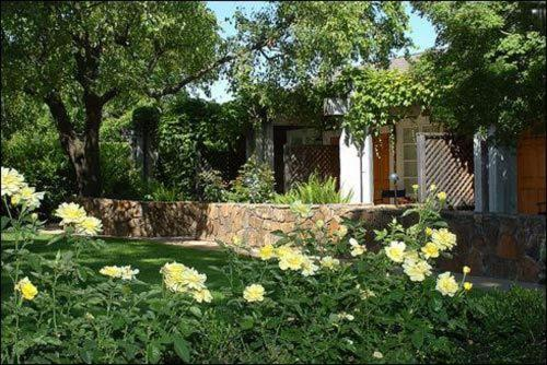 Petit Logis Inn - Yountville, CA 94599