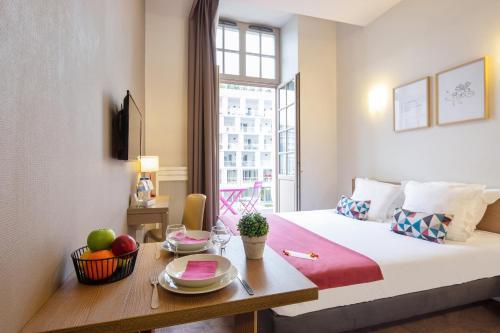 Appart'City Confort Reims Centre - Hôtel - Reims