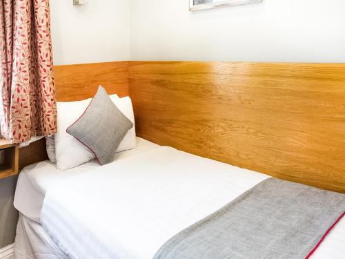OYO London Guest House - image 6