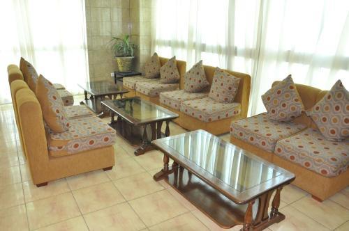 Mekelle Hotel, Debubawi