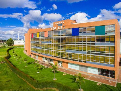 . Pop Art Hotel Tocancipá y Centro de Convenciones