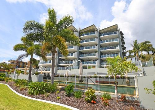 Tingeera Luxury Beachfront Apartments