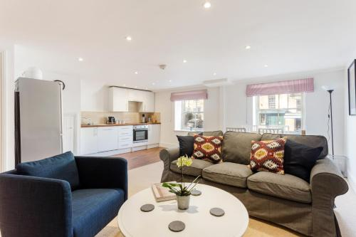 Charming Cotswold Apartments Next To Burford
