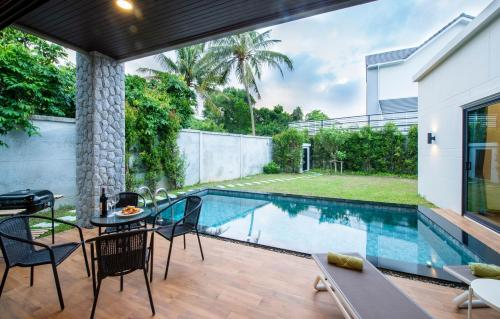 Private Pool Villa with BBQ & Parking Private Pool Villa with BBQ & Parking